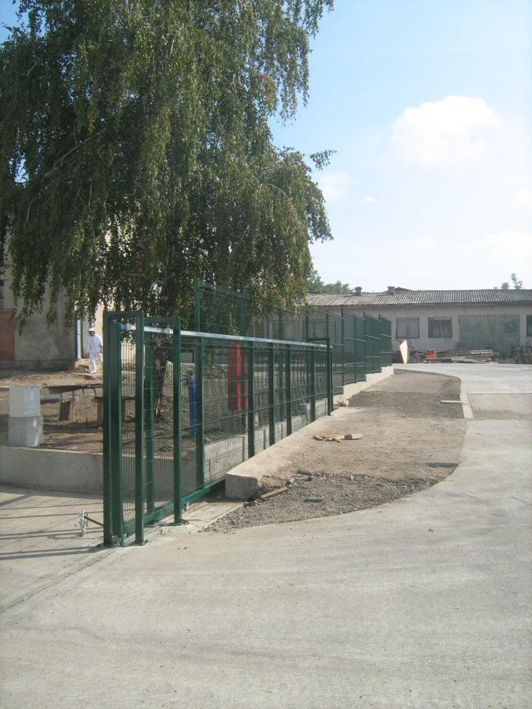 Kapija i panelna ograda