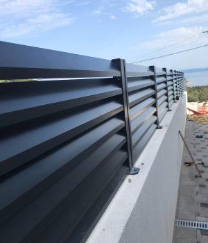 neprozirna aluminijumska ograda